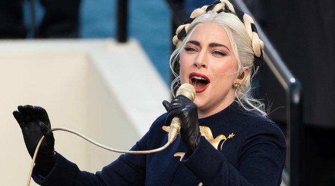 Beauty look, Inauguration Day: Lady Gaga, l'acconciatura è da copiare