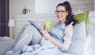 Lockdown e chiusure: con lo smart working il letto diventa una scrivania