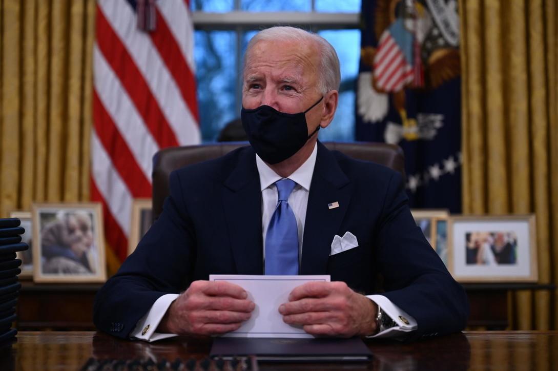 Ecco come è cambiato lo Studio Ovale di Joe Biden