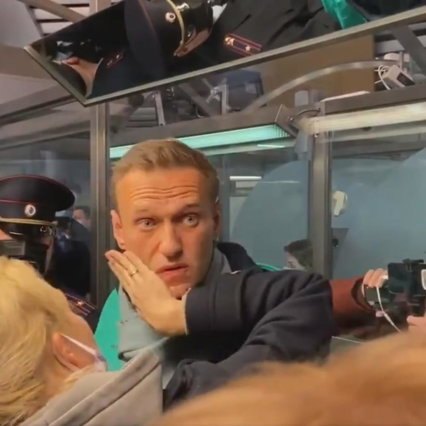 Navalny, portavoce e altri sostenitori dell'avversario si sono fermati in Russia
