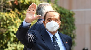 Berlusconi: il no di M5S e Pd a un governo di unità nazionale avvicina le elezioni
