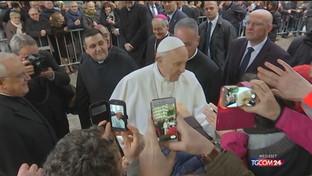 """Il Papa: """"No all'informazione fotocopia"""""""