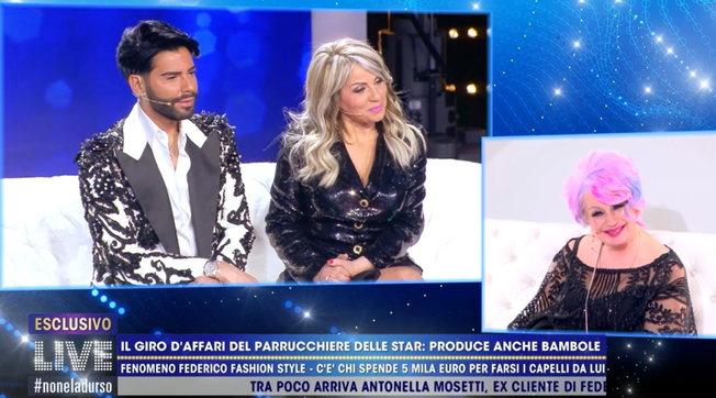 """Federico Fashion Style contro le sfere di """"Live - Non è la d'Urso""""; poi la pace con Antonella Mosetti"""