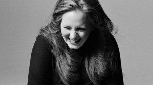 "Adele festeggia i 10 anni di ""21"""