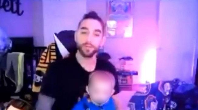 Videogiochi: uno streamer cancella il suo account Twitch dopo aver maltrattato il figlio in diretta