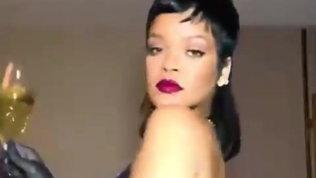 Rihanna twerka in lingerie e fa impazzire i social