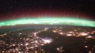 La magia dell'aurora boreale vista dallo Spazio
