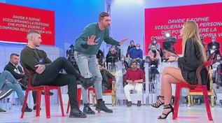 """""""Uomini e Donne"""", Giorgio abbandona lo studio dopo la lite con Sophie Codegoni"""