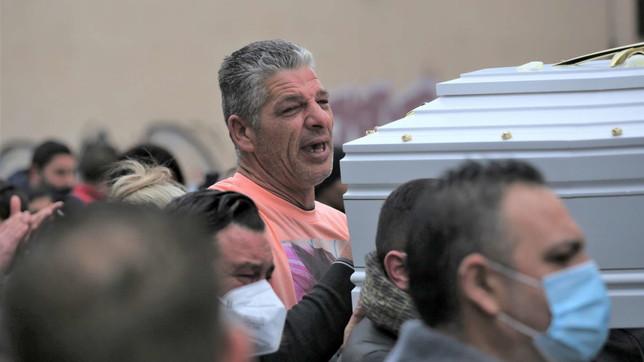 Palermo saluta la piccola Antonella, la bimba morta per la sfida su TikTok