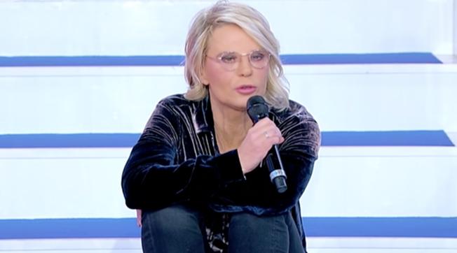 """""""Uomini e Donne"""", Maria De Filippi riprende Armando per una frase sessista"""