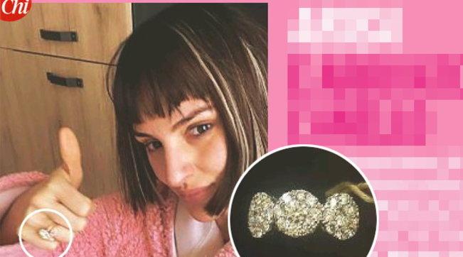 Arisa mostra l'anello di fidanzamento, nozze in vista?