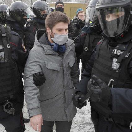روسیه ، اعتراض به بازداشت ناوالنی: هزاران نفر دستگیر ، همسر مخالف دستگیر و سپس آزاد شد