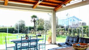 Pareti e chiusure vetrate: i balconi prendono vita