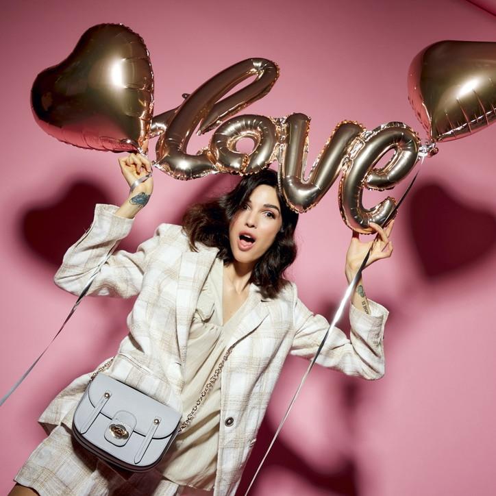 Moda, San Valentino 2021: capsule speciali e idee regalo last minute