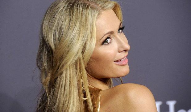 Buon compleanno Paris Hilton, l'ereditiera più modaiola d'America compie 40 anni