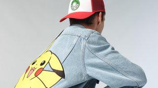Moda, jeans primavera 2021: i più trendy sono dedicati ai Pokémon