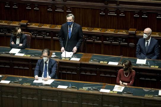 """Draghi, la replica alla Camera: """"Difendersi dalla corruzione, deprime economia"""""""
