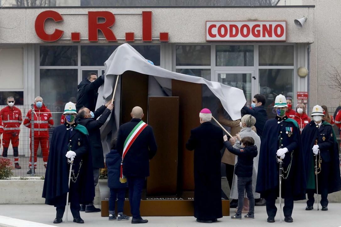 Codogno, un anno dopo: inaugurato il memoriale per le vittime del Covid