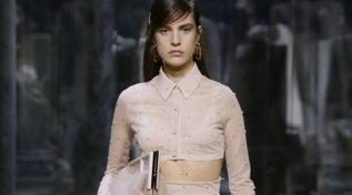 Milano Fashion Week 2021: Fendi omaggia l'eleganza delle donne