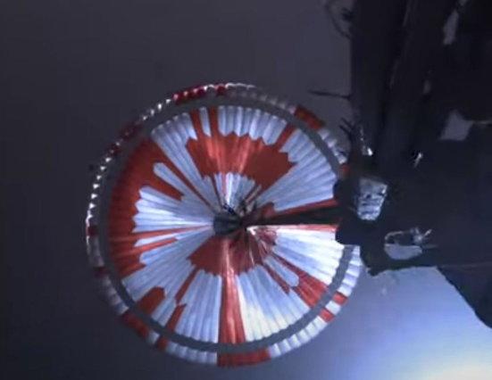 La NASA ha decifrato in 6 ore il messaggio segreto nel paracadute del rover Perseverance atterrato su Marte