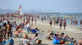"""Coronavirus, Coldiretti: """"L'estate senza turisti stranieri costa 11,2 miliardi"""""""