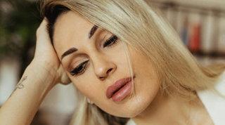 Anna Tatangelo osé, seduce con sexy trasparenze