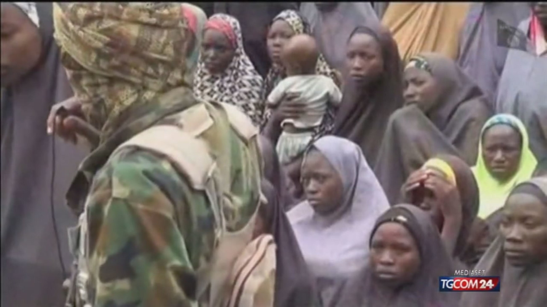 Nigeria, liberate le studentesse rapite venerdì: stanno bene