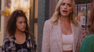 """Taylor Swift furiosa con una serie Netflix per una battuta sessista: """"Basta con queste str...ate"""""""