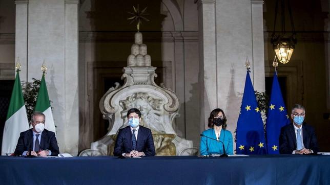 Covid, firmato il nuovo Dpcm: misure presentate in conferenza stampa a Palazzo Chigi