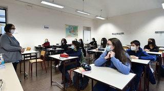 Scuola, in Piemonte da lunedì II e III media e superiori in Dad