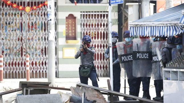"""Birmania, continua la repressione delleproteste contro il golpe   L'Onu: """"38 morti nelle ultime 24 ore"""""""