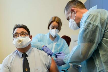 Coronavirus, in Italia +20.884 casi su 358mila tamponi (5,8%). Altre 347 vittime