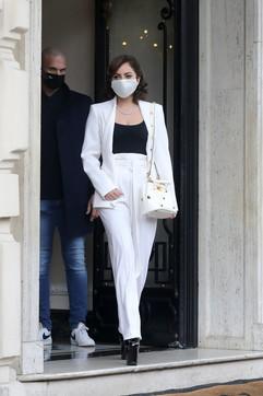 Da vedova nera a dama bianca: Lady Gaga incanta Roma