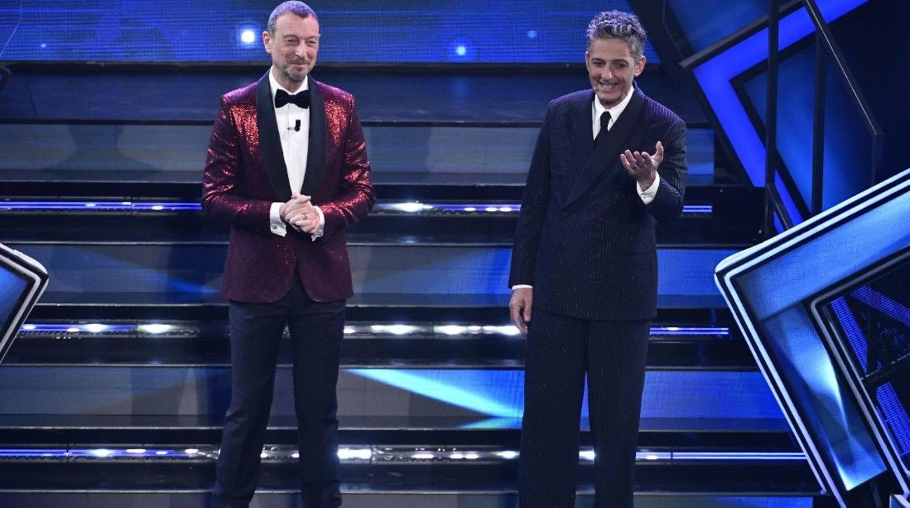Sanremo 2021, le emozioni della terza serata tra cover e duetti