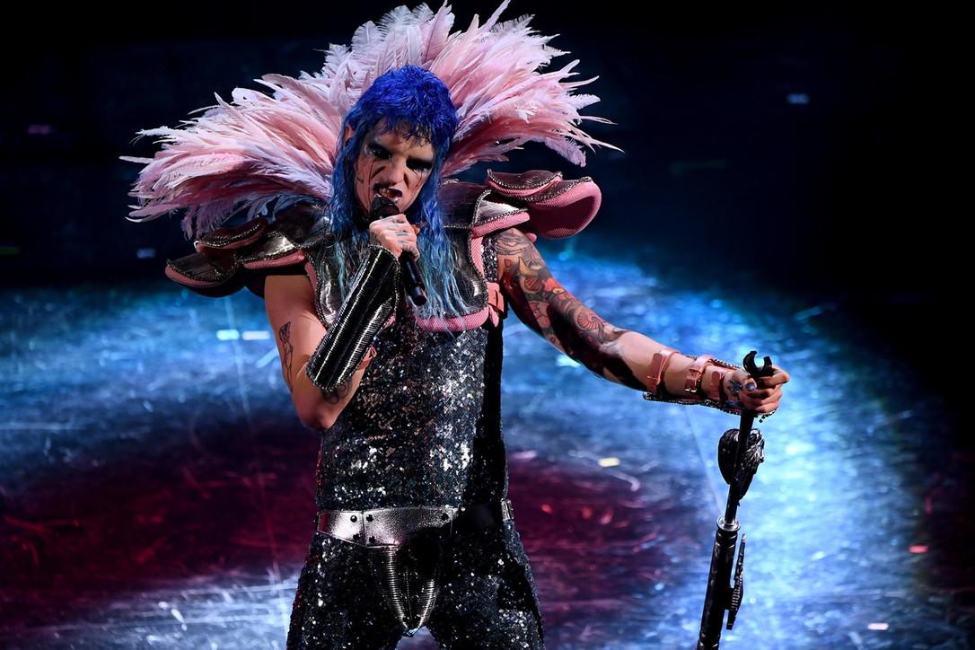 Dal Glam rock al Pop: il trip mistico di Achille Lauro nei generi musicali