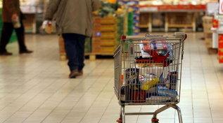 Consumi, Confesercenti: in un anno di pandemia persi 137 mld
