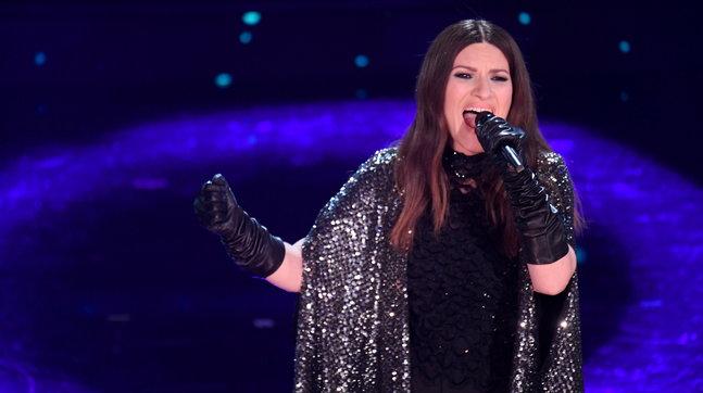 """Laura Pausini in lacrime: """"La nomination agli Oscar è il mio regalo per gli italiani"""""""