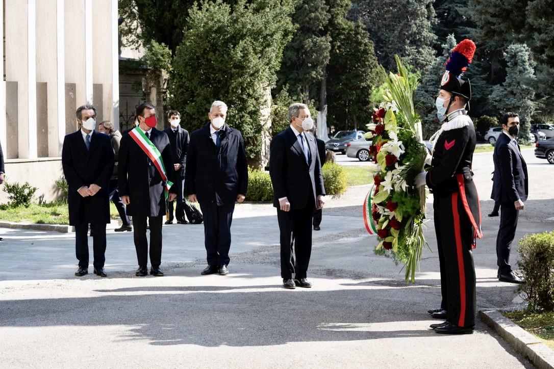 Giornata per le vittime del Covid, Draghi a Bergamo per la commemorazione