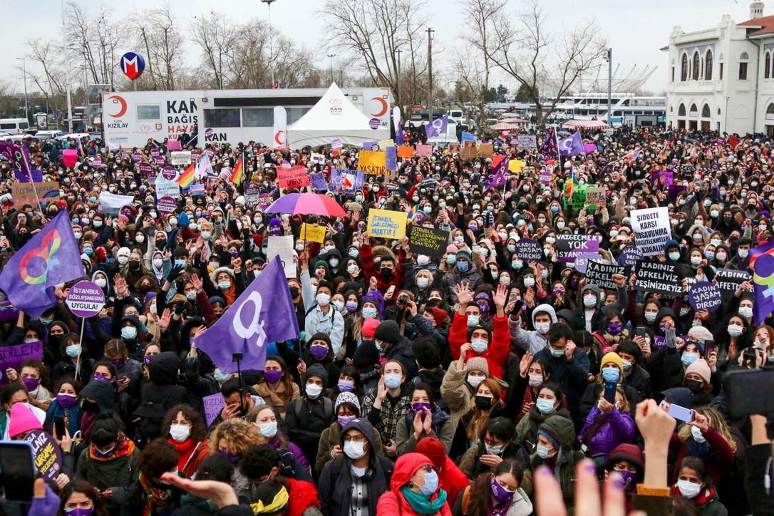 La Turchia si ritira dalla Convenzione di Istanbul: proteste