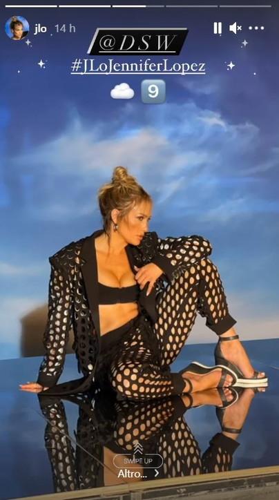 Jennifer Lopez, sexy e single... ma non troppo