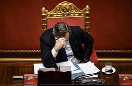 Parlamento 2.0? Mario Draghi & C. alla tecnologia preferiscono carta e penna