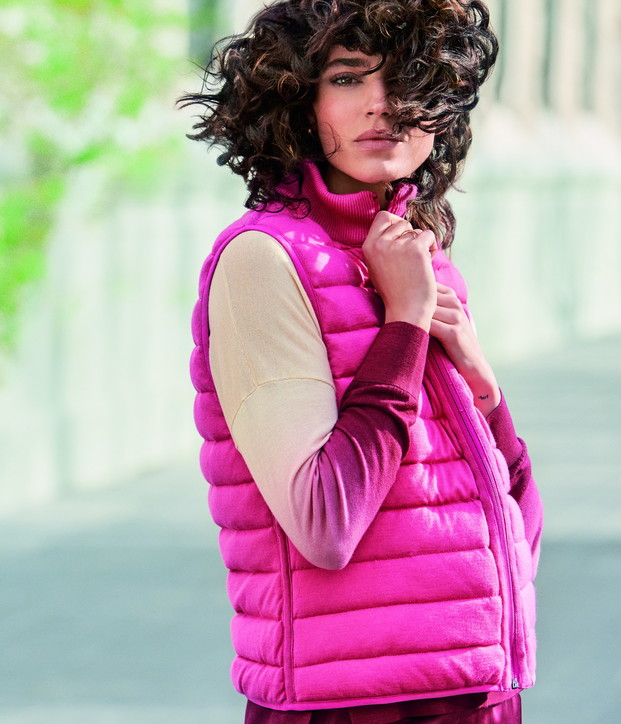 Moda primavera estate 2021, il gilet imbottito: puffy vestdi Falconeri