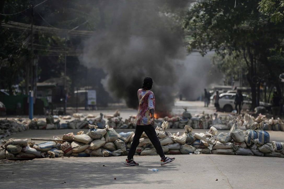 """Birmania, il 27 marzo è stato il """"giorno della vergogna"""": oltre cento morti nelle proteste"""