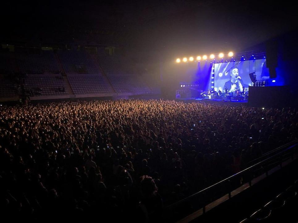 Covid, tamponati e con mascherina: in Spagna torna il primo concerto live