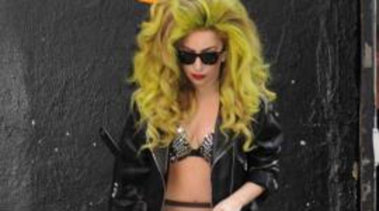 Lady Gaga festeggia i suoi 35 anni da trasformista