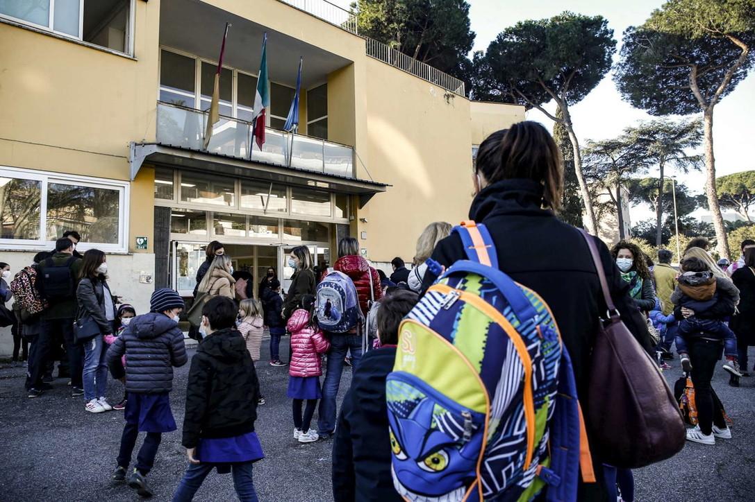 Covid, nel Lazio le scuole elementari tornano in presenza