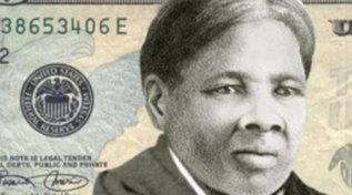 L'eroina Usa anti-schiavitù Harriet Tubman sulle banconote da 20 dollari: strappo di Biden con l'era Trump