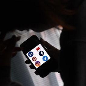 Dopo Facebook scatta l'allerta per Linkedin: 500 milioni di profili a rischio hackeraggio sul dark web