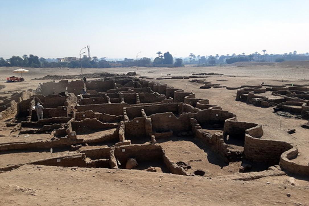 """Scoperta la Pompei egiziana: la """"città d'oro perduta"""" risale a oltre 3mila anni fa ed è ben conservata"""