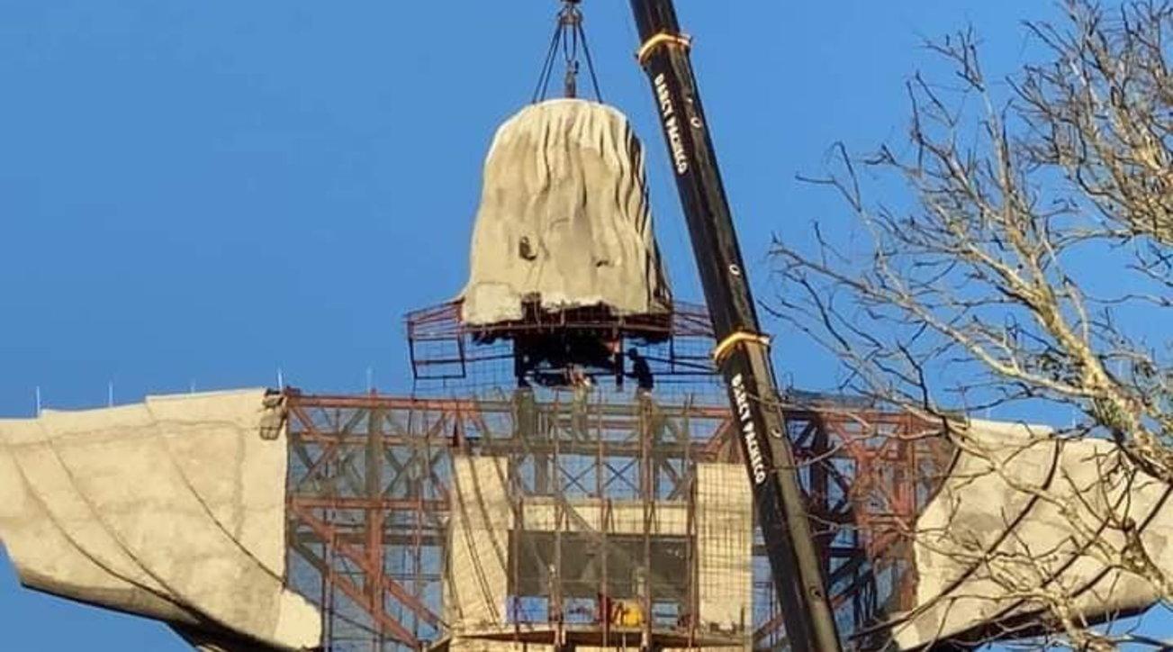 A Encantadoin arrivo la nuova statua di Cristo